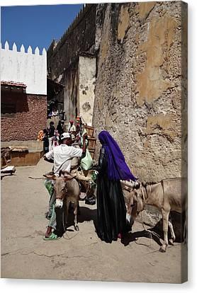 Exploramum Canvas Print - Old Lamu Town by Exploramum Exploramum