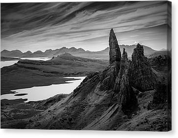Old Man Of Storr Canvas Print by Dave Bowman