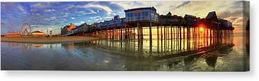 Old Orchard Beach Pier At Sunrise - Maine Canvas Print by Joann Vitali