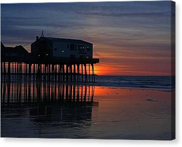 Old Orchard Beach Sunrise Canvas Print by Laurie Breton