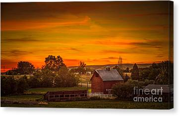 Old Red Barn Canvas Print by Robert Bales