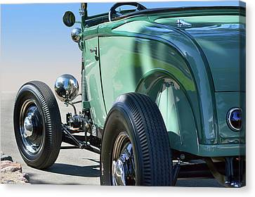 Canvas Print featuring the photograph Old Skool Green by Bill Dutting