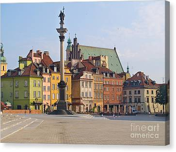 Old Town Square Zamkowy Plac In Warsaw Canvas Print by Anastasy Yarmolovich