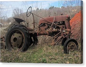 Old Tractor-clarks Farm Canvas Print