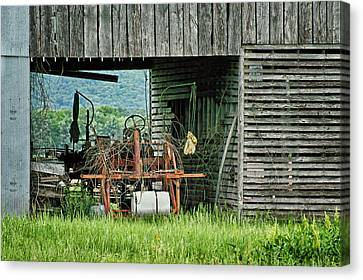 Old Tractor - Missouri - Barn Canvas Print by Nikolyn McDonald