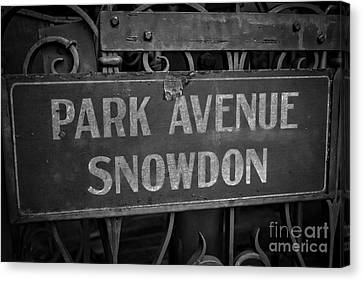 Old Trolley Station Sign Park Avenue Canvas Print