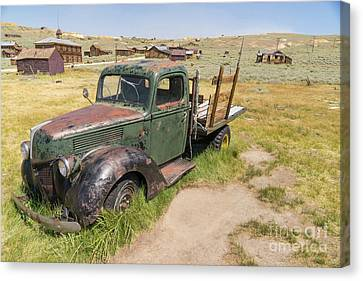 Old Truck At The Ghost Town Of Bodie California Dsc4395 Canvas Print by Wingsdomain Art and Photography