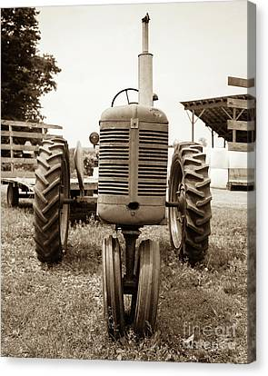 Old Vintage Tractor Cornish New Hampshire Canvas Print by Edward Fielding