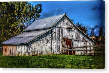 Old White Barn Canvas Print by Garry Gay