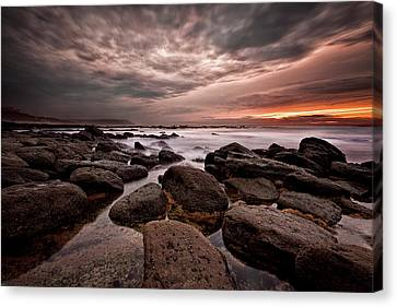 Canvas Print featuring the photograph One Final Moment by Jorge Maia