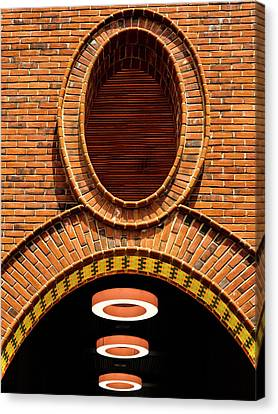 Canvas Print featuring the photograph Oooo by Paul Wear
