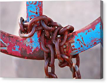 Open Rusted Chain Canvas Print by James BO  Insogna