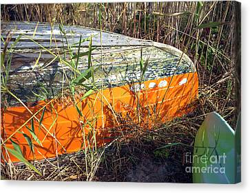 Canvas Print featuring the photograph Orange Boat In The Dune by John Rizzuto
