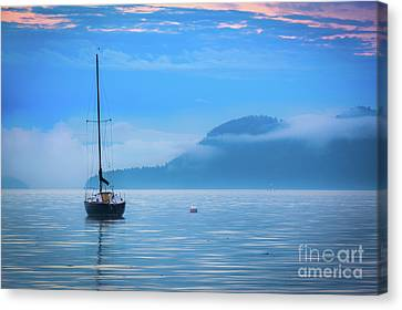 Orcas Sailboat Canvas Print by Inge Johnsson