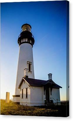 Oregon Yaquina Head Lighthouse Canvas Print by Garry Gay