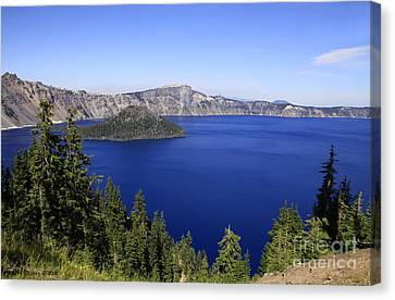 Oregons Crater Lake Canvas Print by Larry Keahey