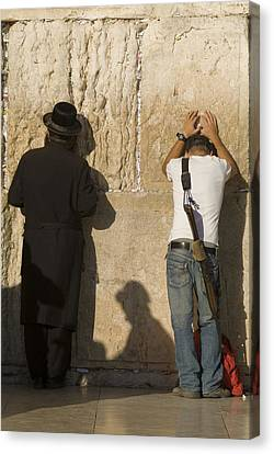 Orthodox Jew And Soldier Pray, Western Canvas Print by Richard Nowitz