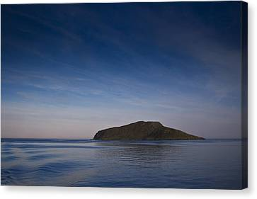 Outer Hebrides In Sunset Canvas Print by Gabor Pozsgai