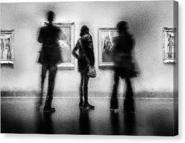 Paintings At An Exhibition Canvas Print by Celso Bressan