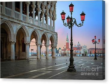 Palazzo Ducale Canvas Print by Inge Johnsson
