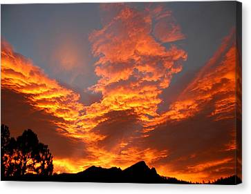 Canvas Print featuring the photograph Palisade Sunrise by Perspective Imagery
