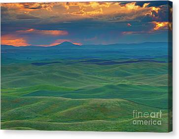 Crepuscular Rays Canvas Print - Palouse Stormrise by Mike Dawson