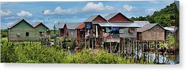 Pano Tonle Sap Homes  Canvas Print by Chuck Kuhn