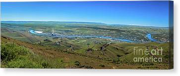 Panoramic View Of Lewiston Canvas Print by Robert Bales