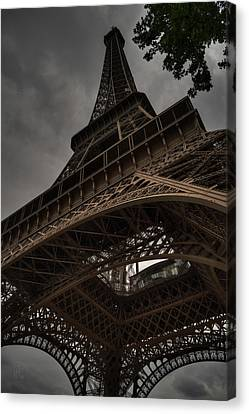 Canvas Print featuring the photograph Paris - Eiffel Tower 003 by Lance Vaughn