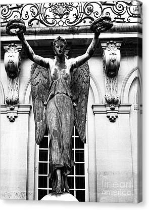 Paris Museum Carnavalet Victory Angel Statue - Paris Hotel Carnavalet Courtyard Angel Victory Statue Canvas Print by Kathy Fornal