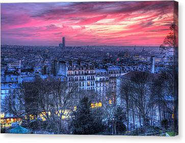 Canvas Print featuring the photograph Paris Sunset by Shawn Everhart