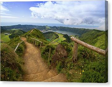 Path To Paradise Canvas Print by Rui Pinedo