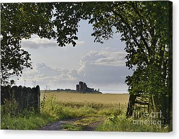 Path To Tantallon Castle Canvas Print