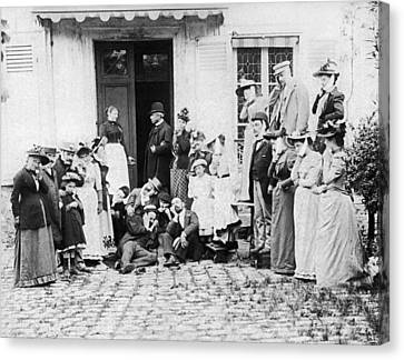 Patients Wait To See Dentist Canvas Print by Underwood Archives