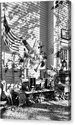 Patiotic Antiques In Metamora Bw Canvas Print by Mel Steinhauer
