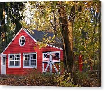 Canvas Print featuring the photograph Patriotic Barn by Margie Avellino