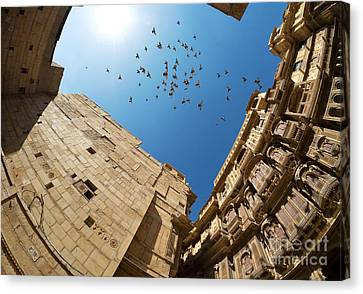 Canvas Print featuring the photograph Patwon Ki Haveli by Yew Kwang