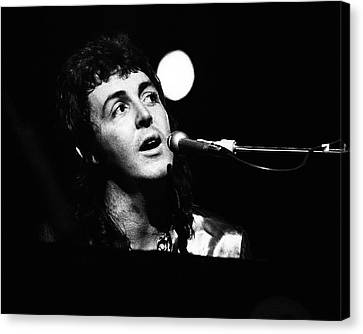 Canvas Print featuring the photograph Paul Mccartney Wings 1973 by Chris Walter