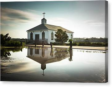 Pawleys Chapel Reflection Canvas Print by Ivo Kerssemakers
