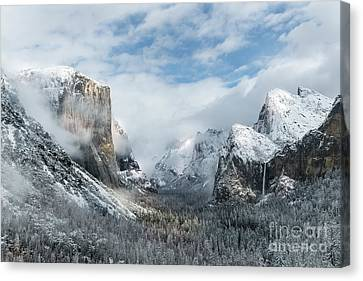 Canvas Print featuring the photograph Peaceful Moments - Yosemite Valley by Sandra Bronstein