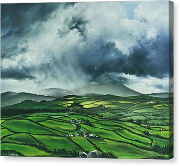 Pendle Hill. Lancashire.england. Canvas Print by Jan Farthing