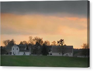 Pennsylvania Farm At Sunset Canvas Print by Gordon Beck