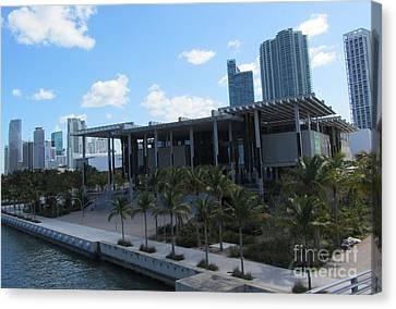Perez Art Museum Of Miami Canvas Print by Daniel Diaz
