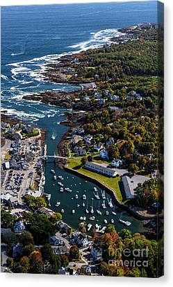 Perkins Cove To The Cliff House Canvas Print by Scott Thorp