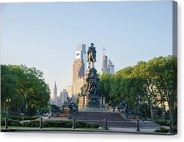 Philadelphia Cityscape From Eakins Oval Canvas Print by Bill Cannon
