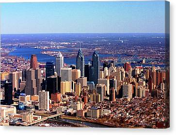Canvas Print featuring the photograph Philadelphia Skyline 2005 by Duncan Pearson