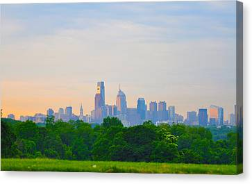 Philadelphia Skyline From West Lawn Of Fairmount Park Canvas Print