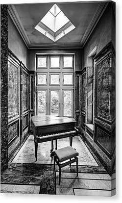 Piano Abandoned Castle Monochroom - Urban Exploration Canvas Print