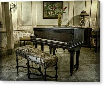 Canvas Print featuring the photograph Piano At Josie's House by Joan Carroll