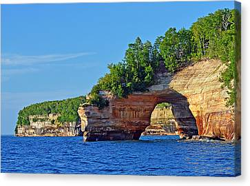 Canvas Print featuring the photograph Pictured Rocks by Rodney Campbell